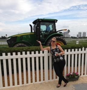 Ooh a tractor in MIami definitely calls for a picture, right?