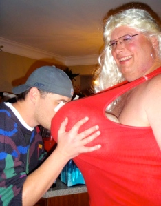 Even a dude who knew that this Pam was was a dude couldn't help but motorboat.